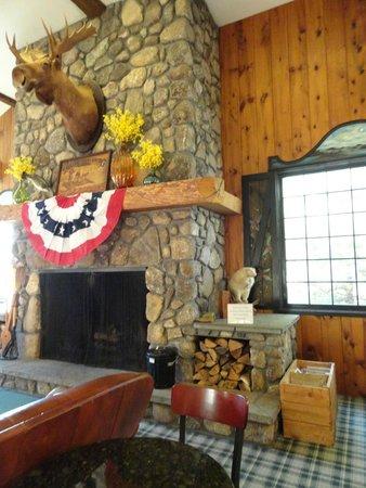 Green Granite Inn & Conference Center: the Lobby