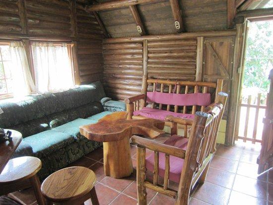 Cabanas Rusticas La Fortuna: Big cabin interior