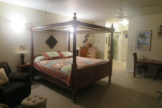 Island Goode's: King bed with dresser in background