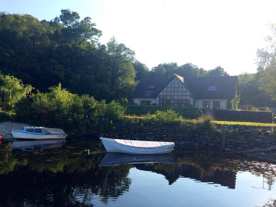 The Inn on Loch Lomond: Lodge on the loch - away from main building