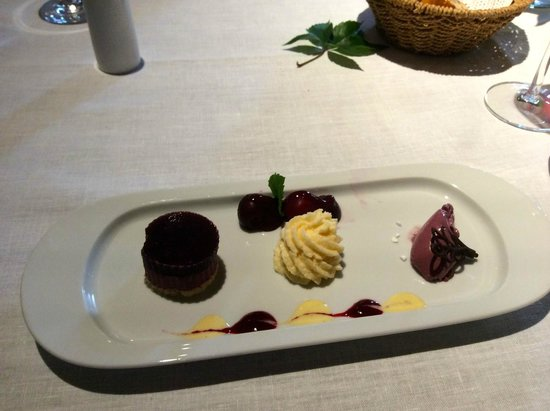 Romantik Hotel Am Bruhl: Cherries 3 Ways