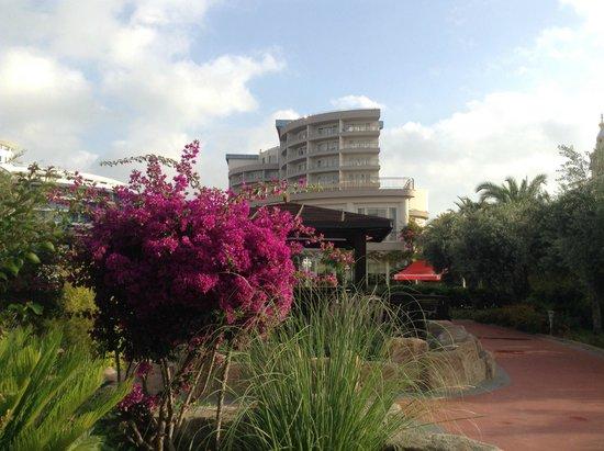 Liberty Hotels Lara: Территория