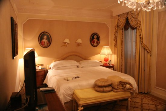 Hotel Imperial Vienna : Bedroom