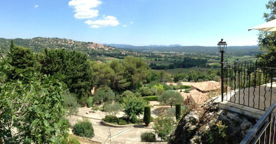 Le Castellaras : VALLEY VIEWS