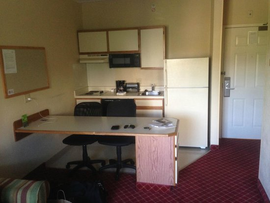 Extended Stay America - Fishkill - Route 9 : Kitchen