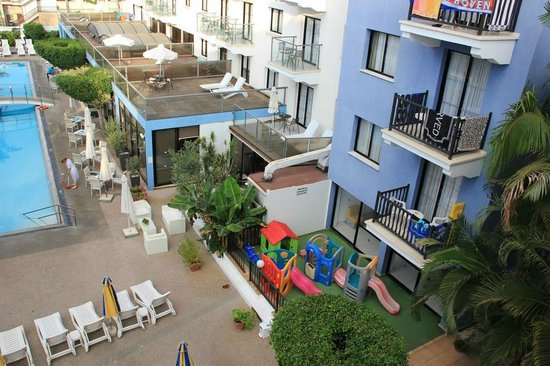 Anemi Hotel Apartments: Playground