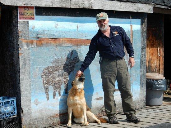 Errington's Wilderness Island Resort : Nikita and Al