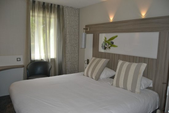 Ibis Styles Antibes : Chambre