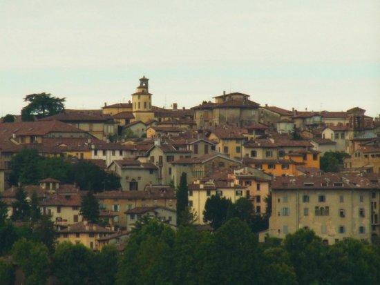 Ostello di Bergamo: Blick zur Citta Alta