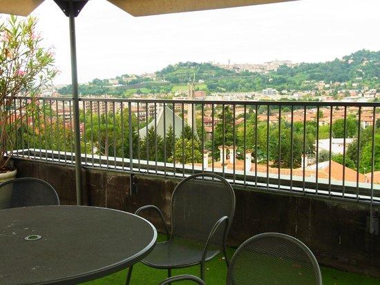 Ostello di Bergamo: Blick von der Dachterrasse