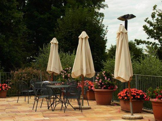 Ostello di Bergamo: Gartenmöbel