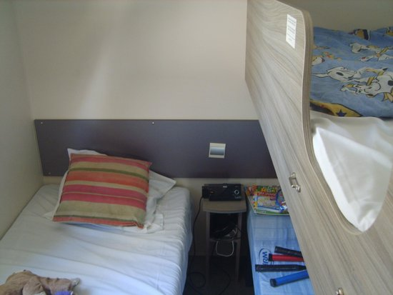 Camping Le Soleil : chambre exigüe