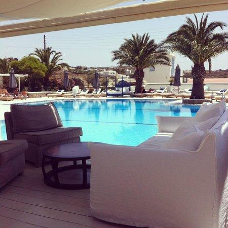 Andronikos Hotel : poolside