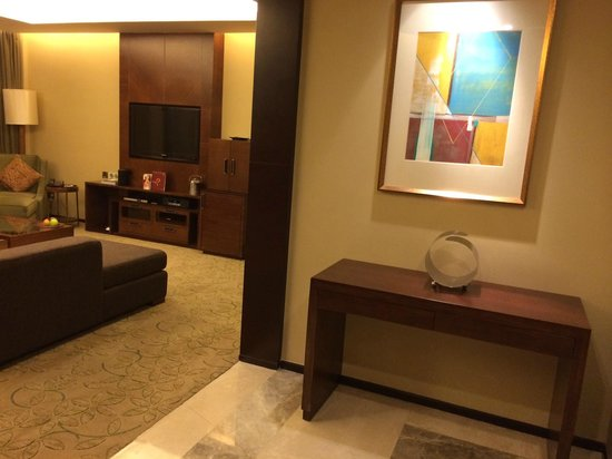 Sheraton Guangzhou Hotel : Suite 2001, Entryway to Suite