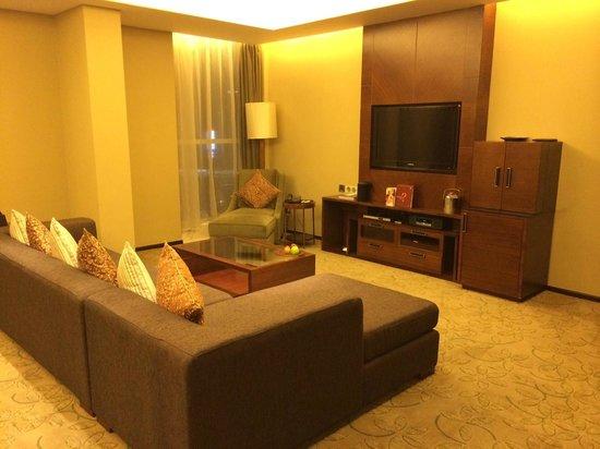 Sheraton Guangzhou Hotel : Suite 2001, Living Room