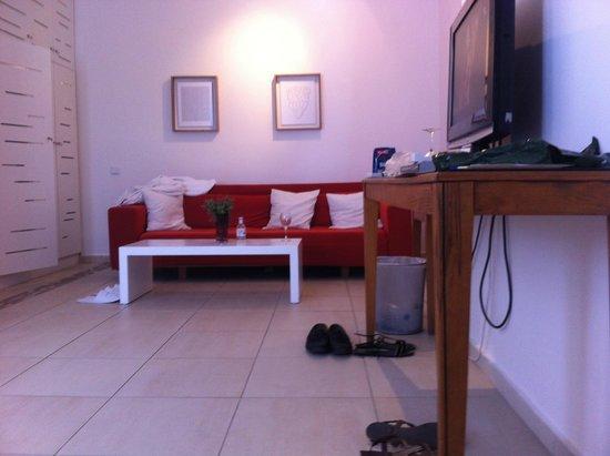 Andronikos Hotel : room 206 sofa area