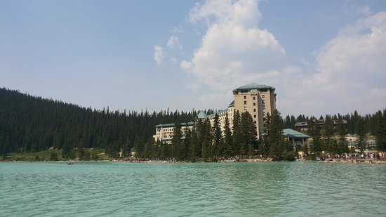 Fairmont Chateau Lake Louise : ..the other sea side