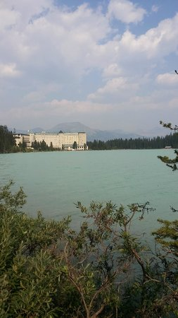 Fairmont Chateau Lake Louise: View from the Sea side