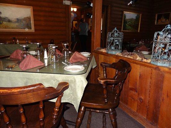 Casa Rustica: Dining inside.