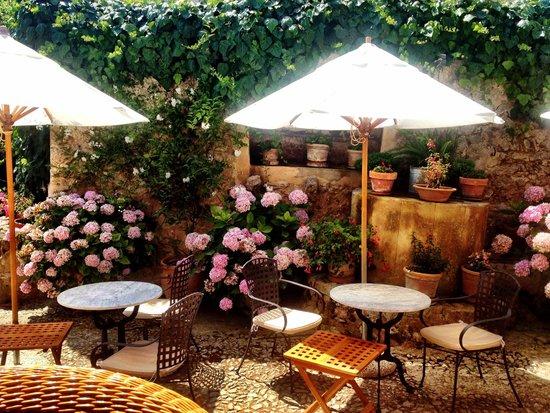 Finca Hotel Son Palou: breakfast area