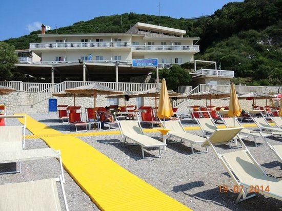 Hotel Poseidon : Взгляд с пляжа