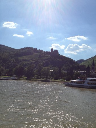 Rhine River Day Cruises: Beautiful!!