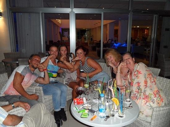 TUI SENSIMAR Sea Breeze by Atlantica: one chillin with some friends