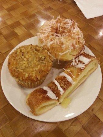 Island Buffet: Breakfast dessert...