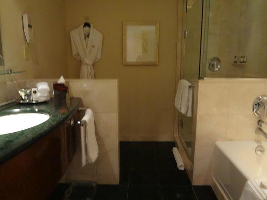 Sofitel Washington DC: Com ducha e banheira para recarregar as energias depois da caminhada