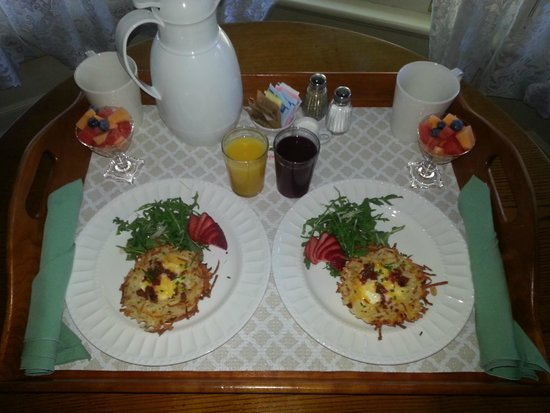 The Foxglove Inn: Breakfast - Day 2