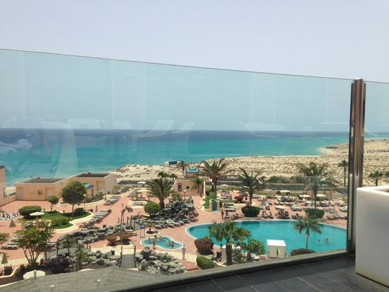 H10 Sentido Playa Esmeralda: Vista desde terraza del bar