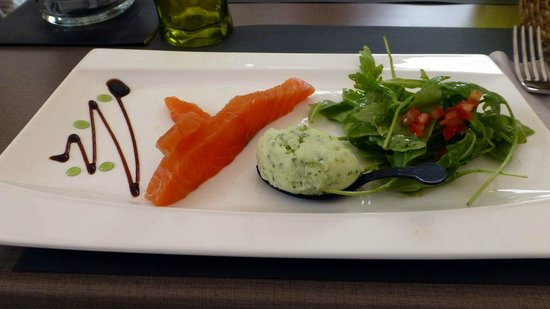Chez la Mere Pourcel: First plate: salmon with lemon-basilic sorbet