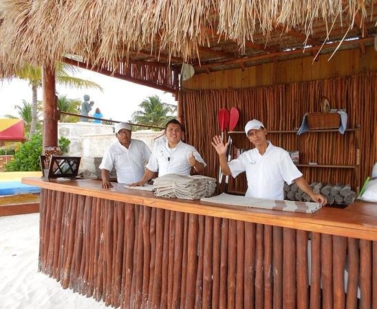 Azul Beach Resort Riviera Maya : service with a smile