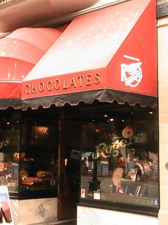 Rogers' Chocolates: Front of Roger's