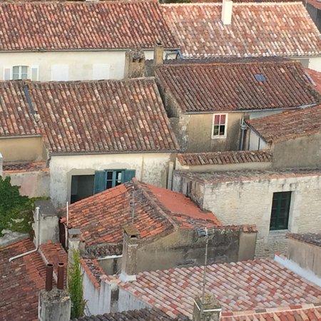 Clocher Observatoire : Les toits de Saint Martin de Ré depuis le clocher de l'église