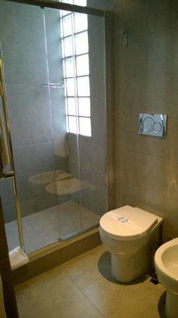 Smart Hotel: bathroom