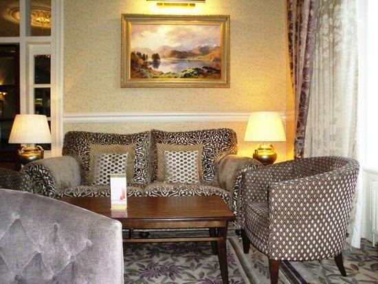 Inn on the Lake: Lounge