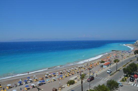 Hotel Rhodos Horizon Resort : Вид с балкона.
