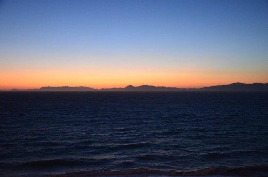 Hotel Rhodos Horizon Resort : Закат.
