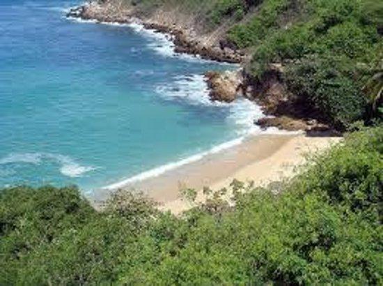 Villa Mozart y Macondo : Hacia la playa
