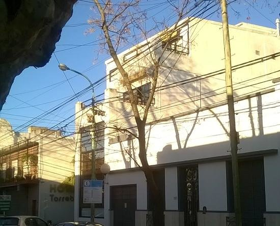 Hotel Torreblanca : View from the streetside, 07/2014