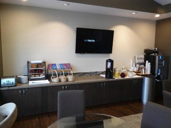 Hilton San Jose: Executive lounge breakfast