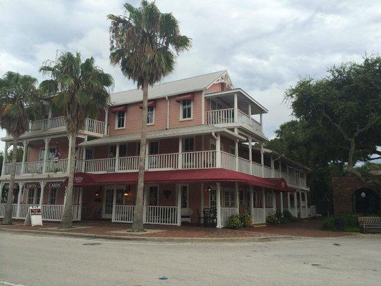 The Riverview Hotel: hotel aan de buitenkant