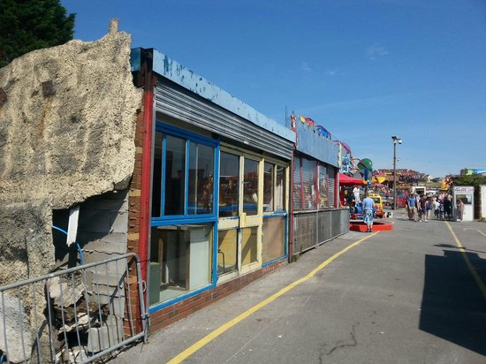 Barry Island Pleasure Park: Shutter is the only thing open