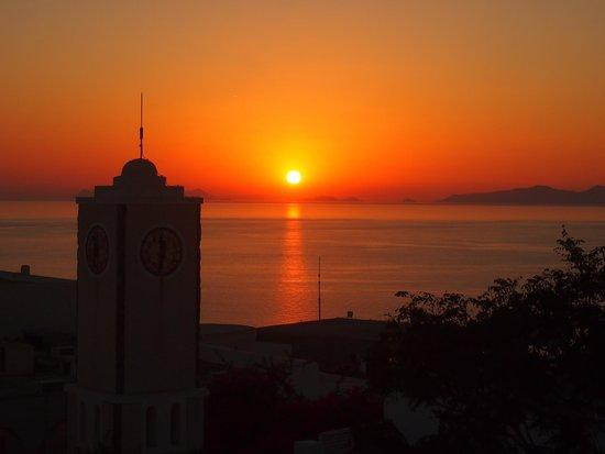 Pelekanos : Sunset view from restaurant level