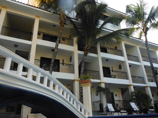 The MT Hotel: PISCINA 2
