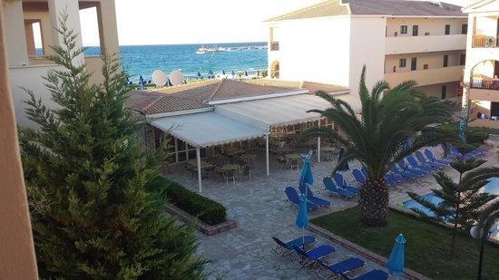 Alykanas Village Hotel: pool and sea view