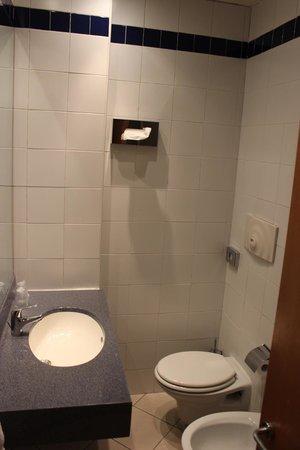 Holiday Inn Express Rome - San Giovanni : Banheiro