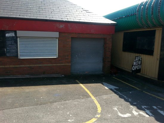 Barry Island Pleasure Park: Cafe Now Open...Cafe Not Open