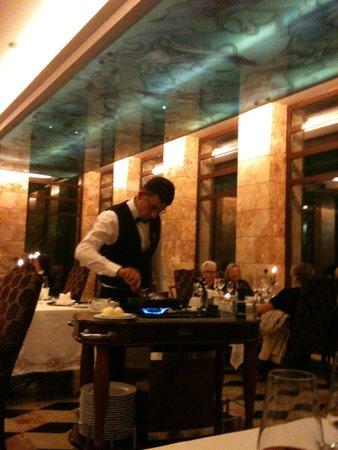 "Gloria Serenity Resort: Service au restaurant 'A la carte"""